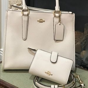 White coach purse Brand new used one time